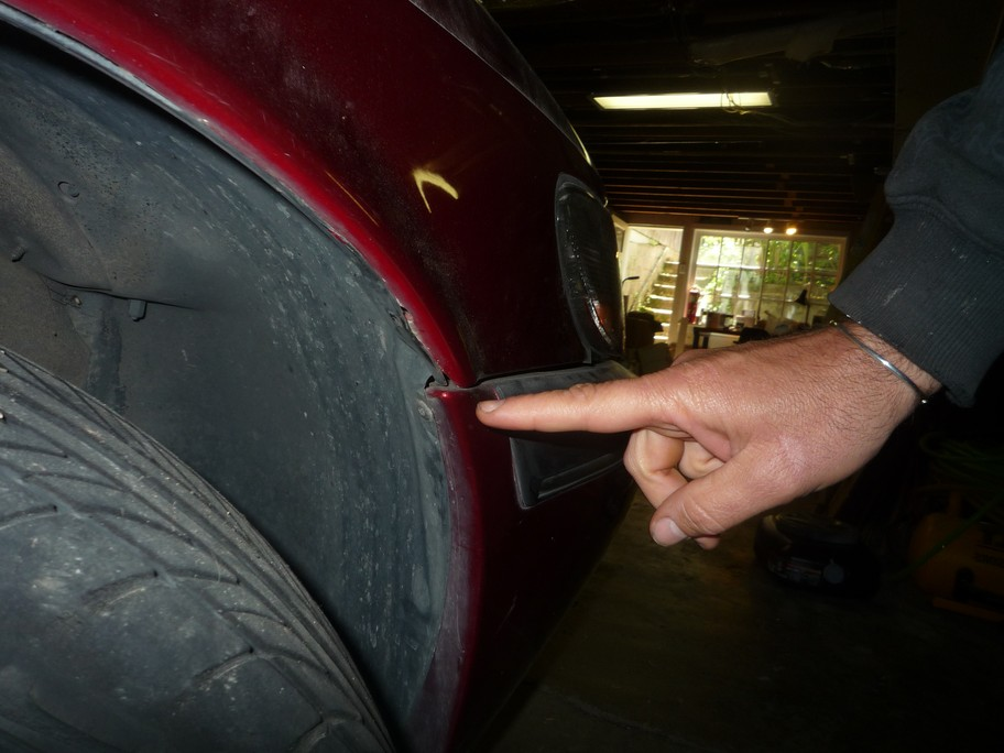 Windshield Replacement Near Me >> Saab NG 900 / 9-3 Fender Replacement